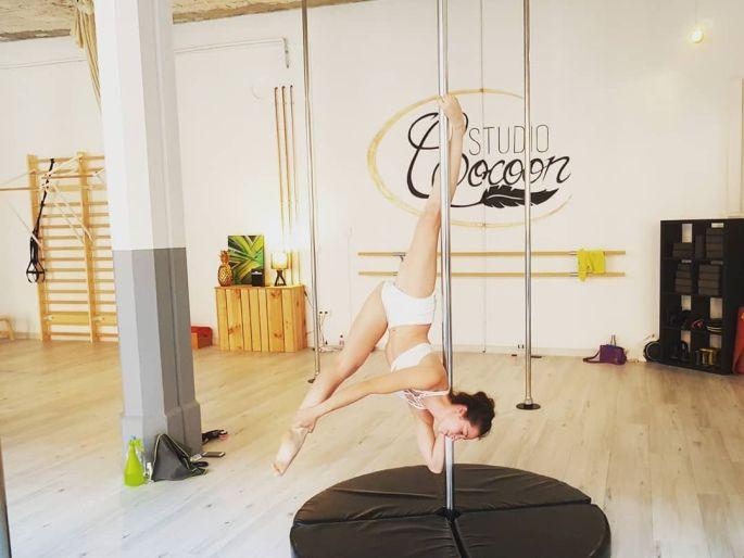 Le pole dance, la discipline reine du studio cocoon