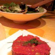 Tartare de thon à la confiture de tomate