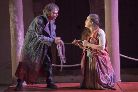 Le Théâtre Arts Scéniques interprétant «Antigone» en 2014