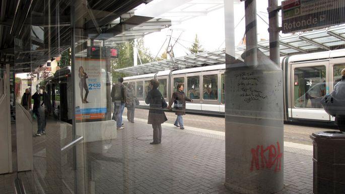 L\'arrêt de tram Rotonde