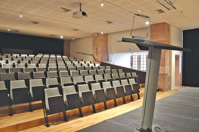 Un auditorium de 130 places