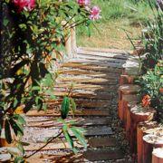 Une allée de jardin sur-mesure