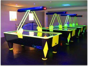 https://www.jds.fr/medias/image/une-salle-avec-4-fasttracks-hockey-de-table-permet-13123