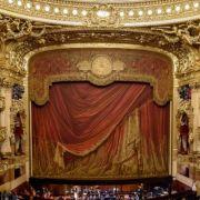 Une soirée à l'Opéra, l'Opéra en une soirée