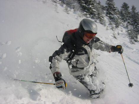 Les vacances au ski, un plaisir très prisé des étudiants en hiver.