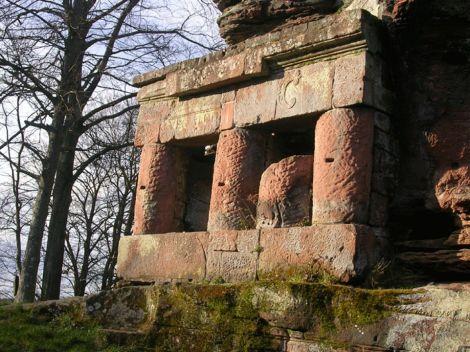 Vestiges d\'un ancien temple romain situé sur le site du château de la Wasenbourg