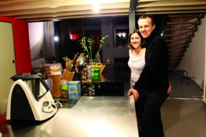 vivre dans un loft le t moignage de margaux et damien. Black Bedroom Furniture Sets. Home Design Ideas