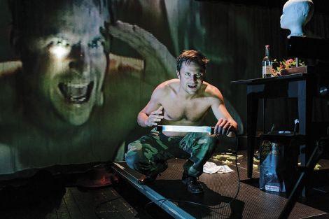 Le metteur en scène allemand Nicolas Stemann qui met en scène la souffrance du jeune Werther à l'heure des réseaux sociaux
