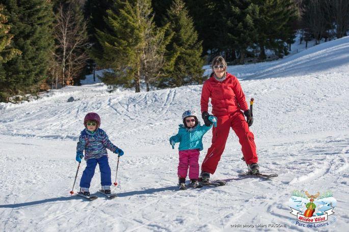 On apprend à skier dès le plus jeune âge, au parc Wiidoo\'Gliss à La Bresse !